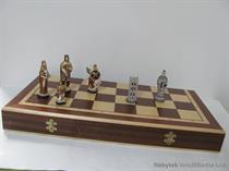 stolní společenská hra šachy kamenné Anglie mad skladem