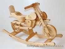 dětská dřevěná houpací hračka motorka přírodní elm
