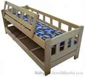 dětská dřevěná jednolůžková postel se zábranou a úložným prostorem Bingo chalup