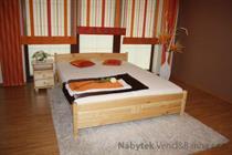 dřevěná dvojlůžková postel z masivního dřeva Joanna maxidre