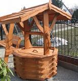 dřevěná zahradní dekorační studna 4 botodre pr.90