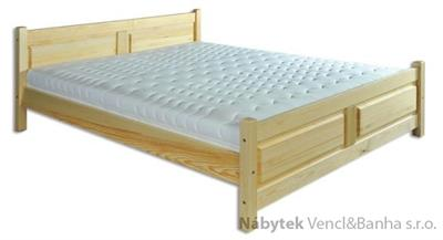 dřevěná dvojlůžková postel z masivního dřeva LK115