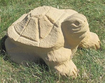 pískovcová zahradní dekorace želva skladem
