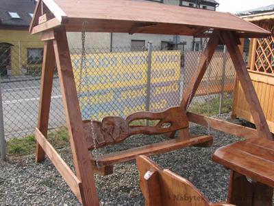 dřevěná zahradní houpačka se stříškou Řezba 2 botodr