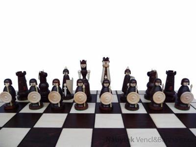 dřevěné šachy vyřezávané MAGNAT 155 mad