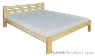 dřevěná dvojlůžková postel z masivního dřeva LK105